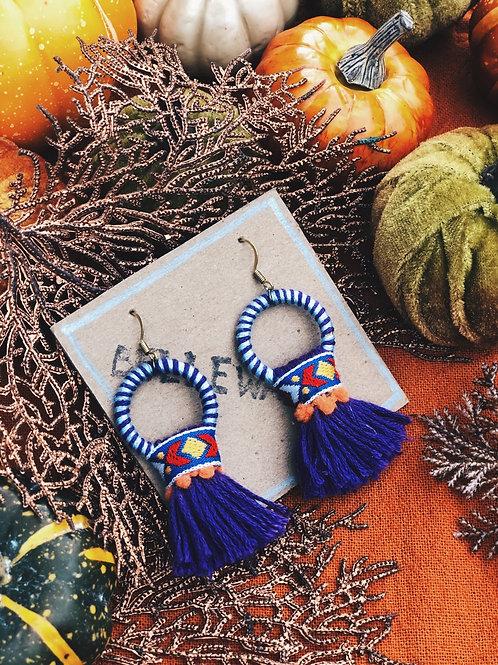 Ring festive tassel