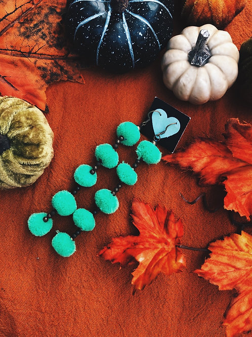 Pompom party earring