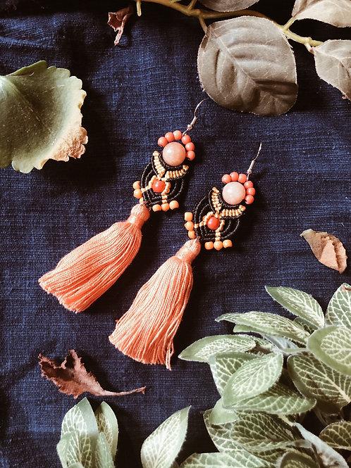 The bright lamp - Mandala tassel earring