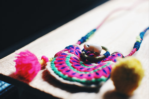 Tiny bag necklace