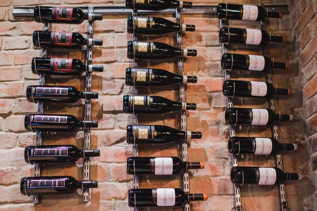 De La Casa Wine bar