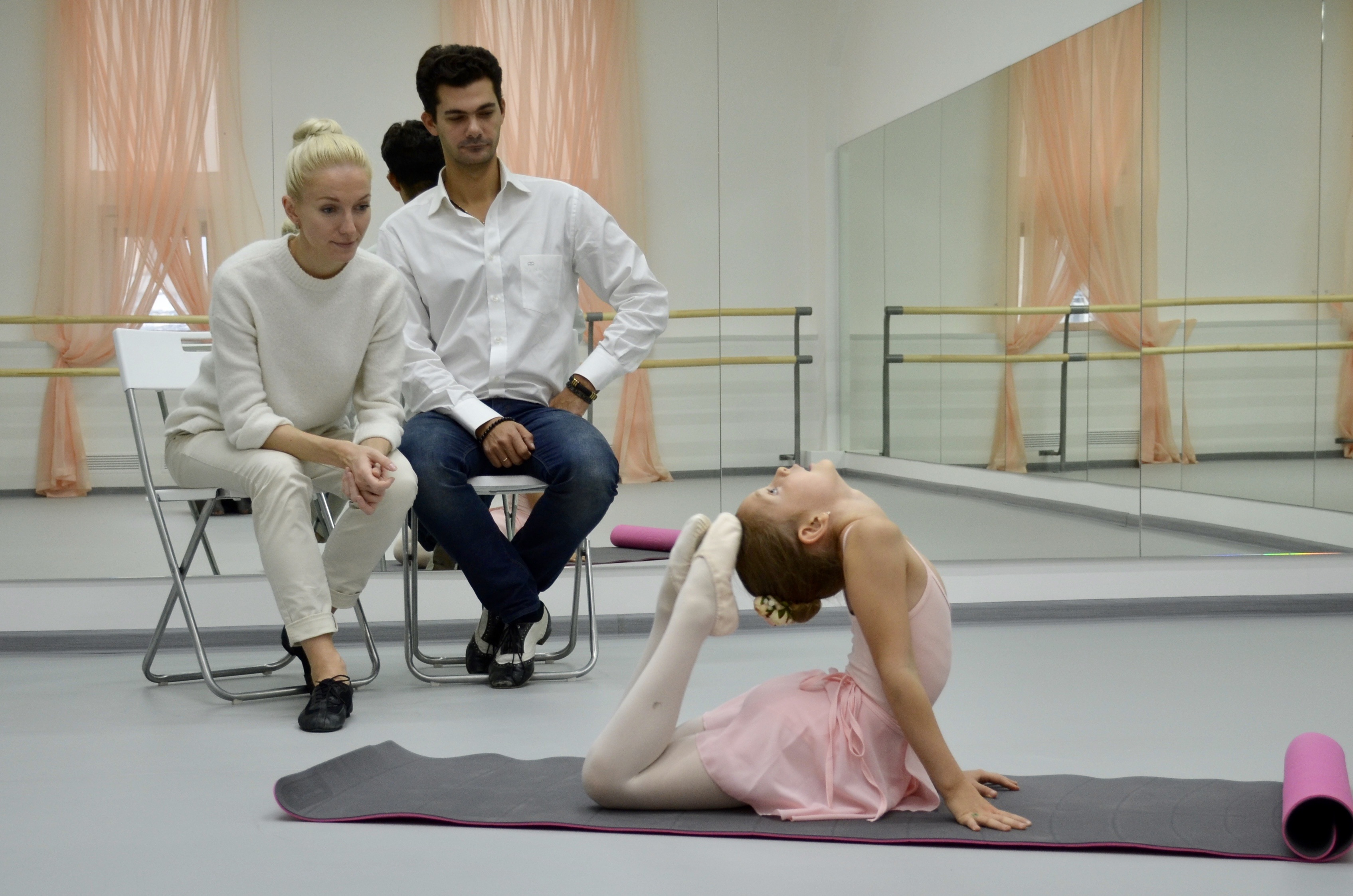 """На приеме в школу балета """"Первый Шаг"""