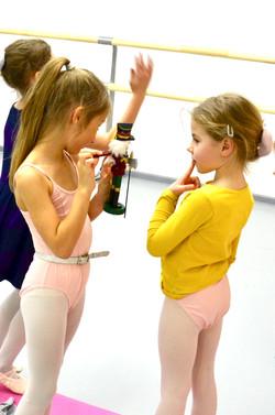 Будущие балерины и Щелкунчик