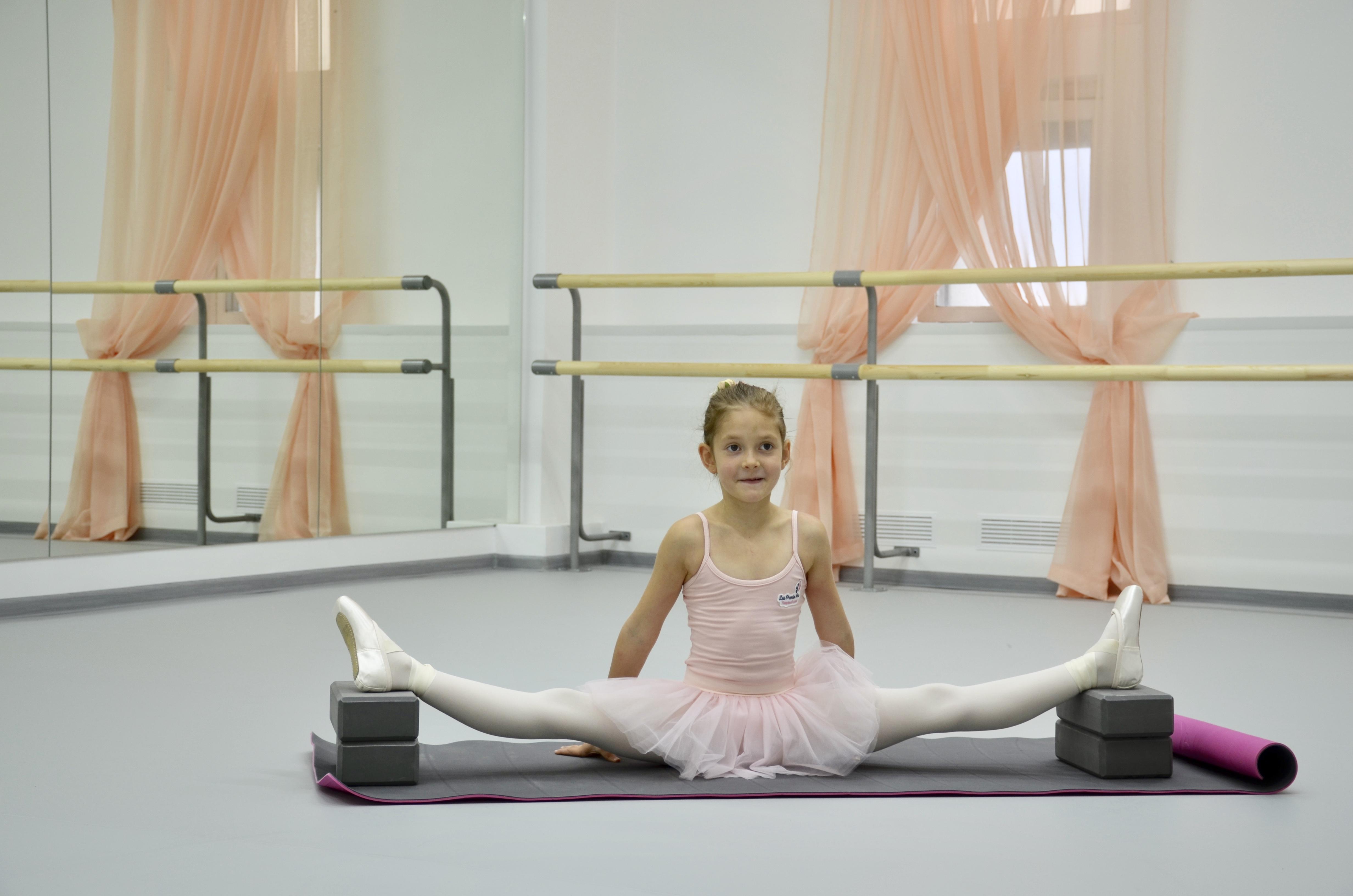 Отрицательный шпагат в балете