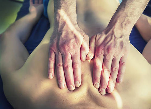 Massaggi terapeutici Massaggi rilassanti Massaggi drenanti