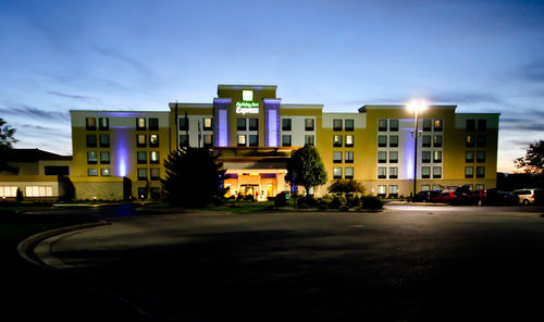 Holiday Inn Express - Janesville, WI