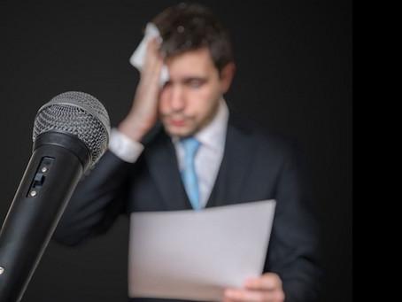 O medo de falar em público te impede de conquistar