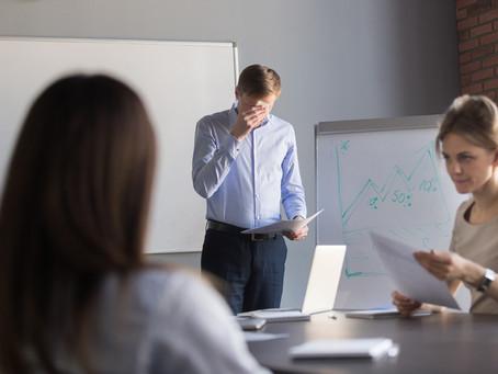 Como controlar o nervosismo na hora de falar em público