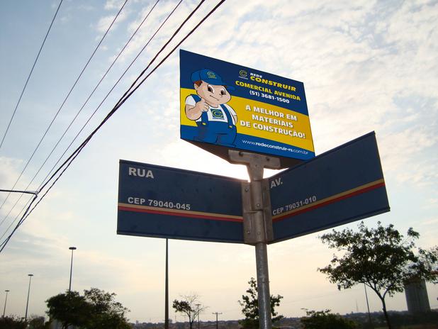 Placa Avenida Mockup.png