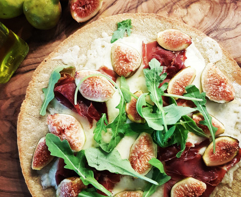 Seasonal Recipe: Fig, Fontina, and Prosciutto Pizza