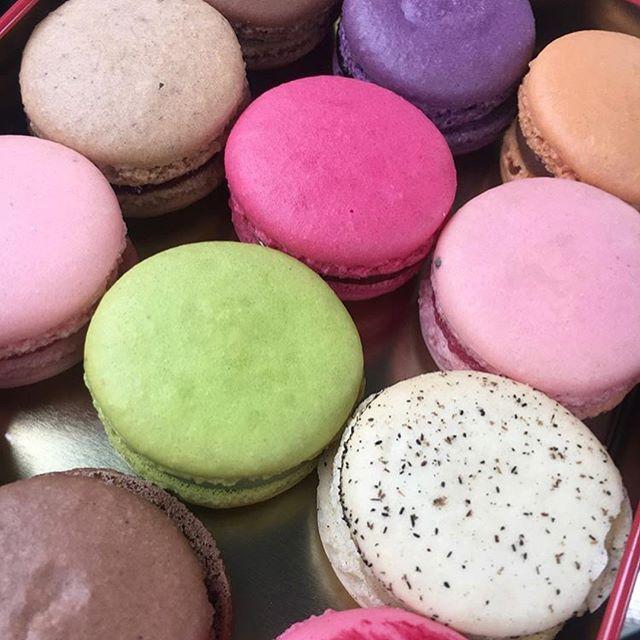 Get in mah bellieee round ✌️ _dessertsby