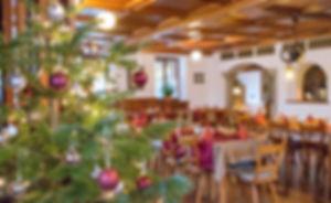 Gasthof zur Post, Wirtshaus, Weihnachtsdeko, Weihnachten, Weihnachtsgedeck, Weihnachtsbaum, Thurmansbang, Bayerischer Wald, Bayern, Niederbayern