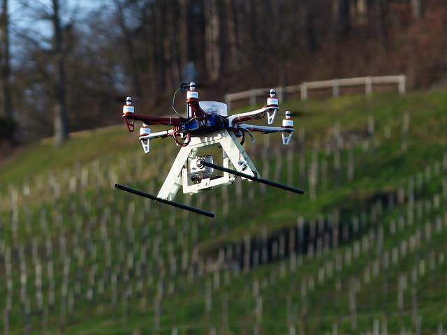 hexacopter-113477_640.jpg