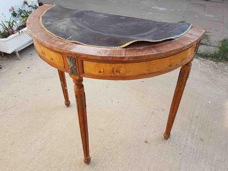 איך חידשתי שולחן קונסולה בסגנון לואי 16