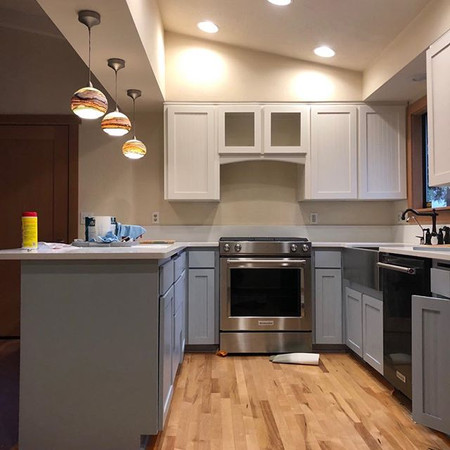 Kitchen reface with shaker fronts and be