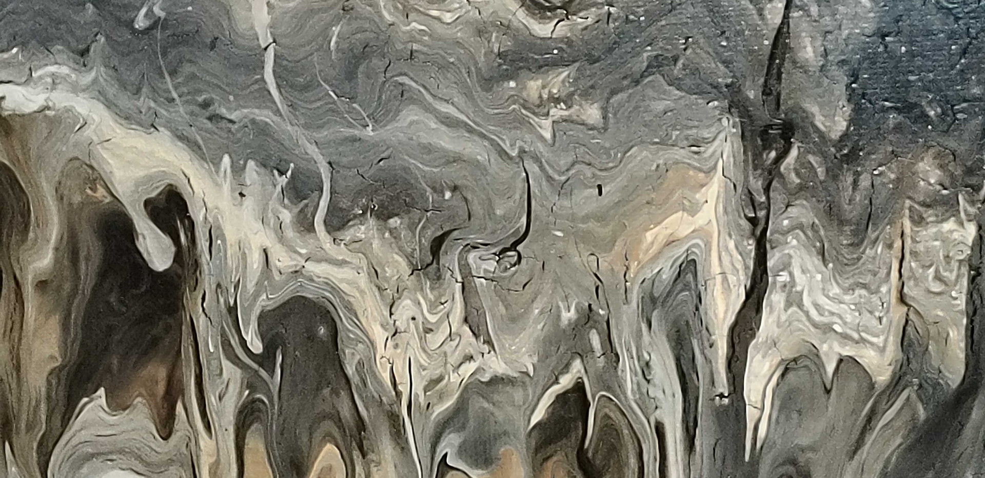 Abstract Pour