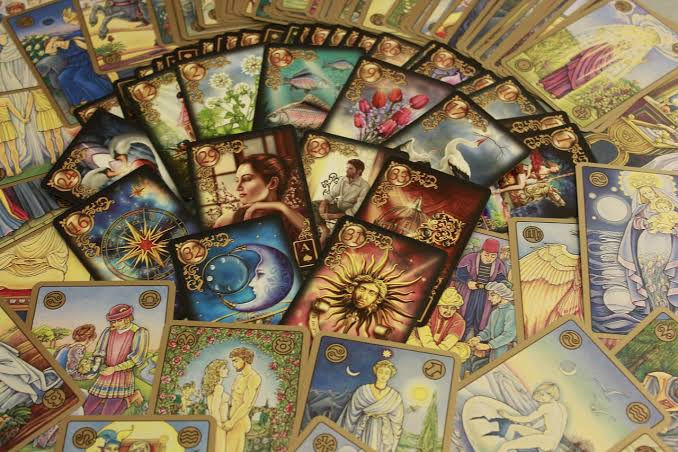 Online Tarot & Oracle Card Reading