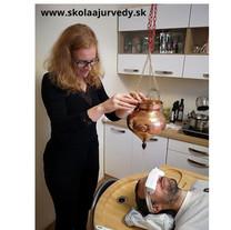 Shirodhara - olejová masáž hlavy
