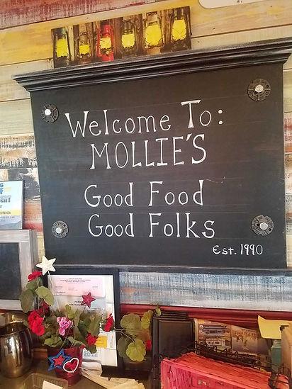 Mollies Kountry Kitchen Apple Valley Interior