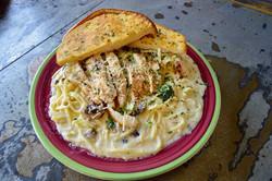 Mollies Kountry Kitchen Chicken Alfredo