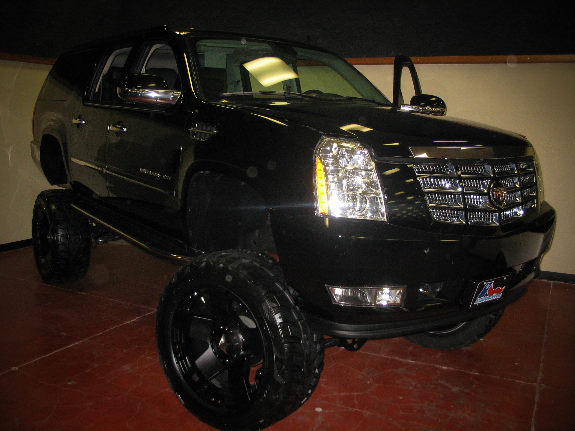 07  Maximum Escalade