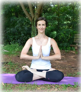 Karen - meditação.png