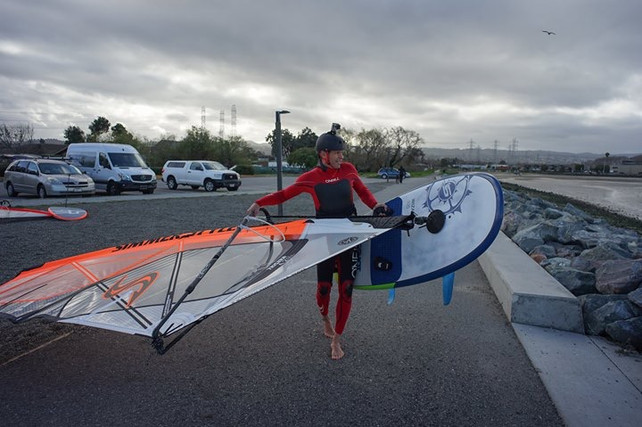 1st high wind foil session on Slingshot gear!