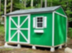きれいな緑色の物置小屋です。