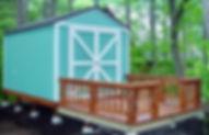 小屋の前にデッキがあると便利です。