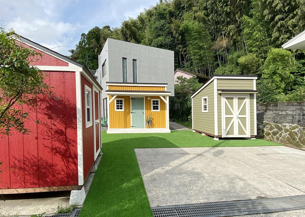 鹿児島グリーンベル展示場には小屋が並んでいます。
