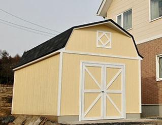 おしゃれでかわいい屋根の自作ガレージです。