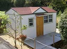住宅にもなる小屋キットです。
