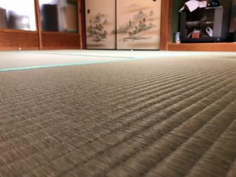 やせて隙間ができた畳を新畳に