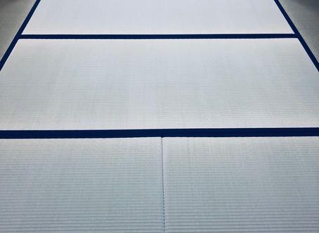 無地の紺色の縁と八代産畳表の畳を納品しました