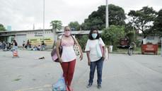 """""""Minha pressa não é por vacina, é por comida"""". A fila da fome em São Paulo"""