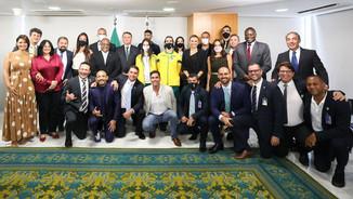 Presidente recebe embaixadores dos Jogos Escolares Brasileiros 2021
