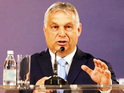 Primeiro-ministro húngaro convoca referendo sobre lei anti-LGBTI