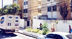 Milícia invade apartamentos e vende imóveis de condomínio na Praça Seca, denunciam moradores
