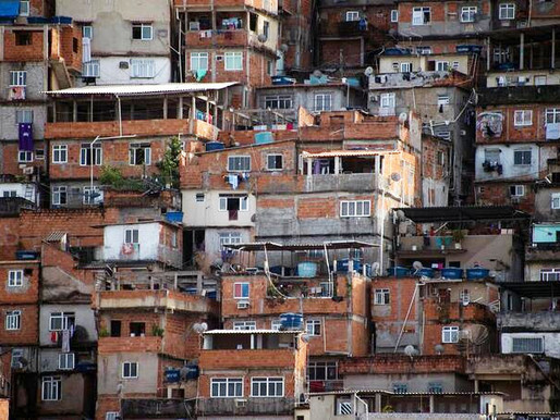 Chega a Portugal livro proibido por Salazar, que personificou a voz das favelas do Brasil