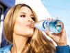 Não beber água causa mau hálito? Saiba se é mito ou verdade