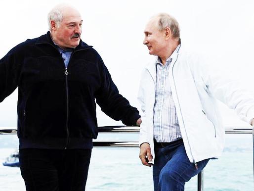"""""""Há uma relação de amor-ódio entre Lukashenko e Putin"""""""