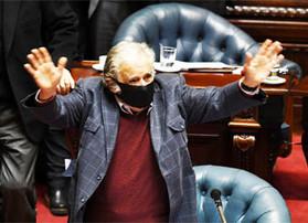 Ex-presidente uruguaio José 'Pepe' Mujica formaliza renúncia ao Senado e se retira da política
