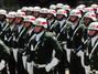 Declarações de Bolsonaro e extremismo nos EUA ligam alerta nas Forças Armadas