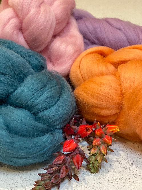 Seahorse roving bundle | wool tops