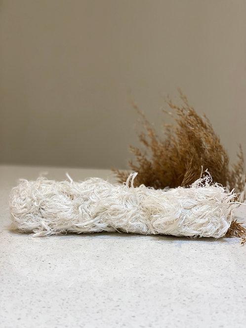 White | Linen Frizz