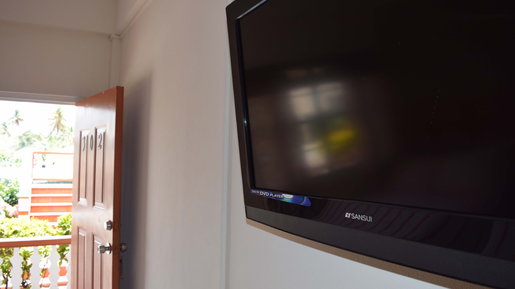 Smart TV and Free WiFi