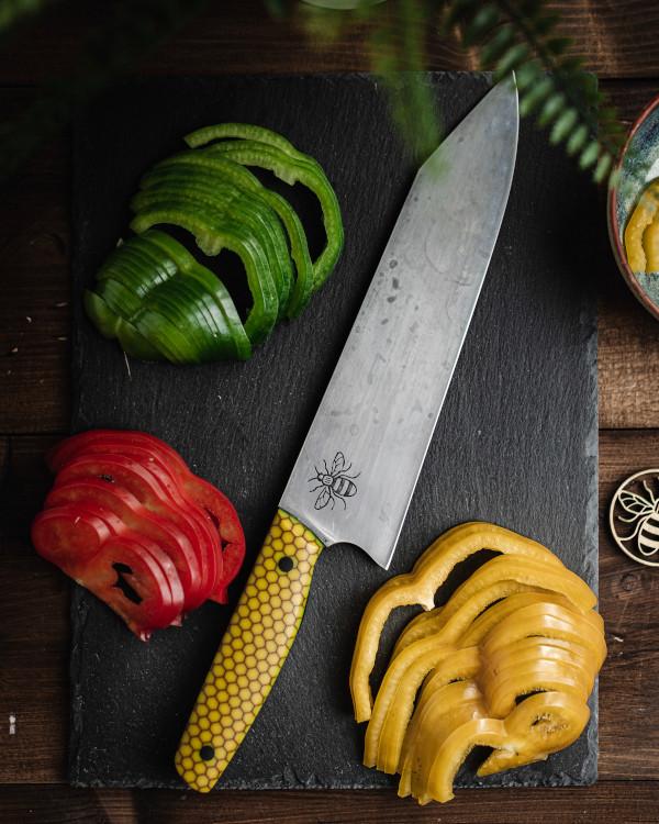Kitchen knife in 1.2419 steel