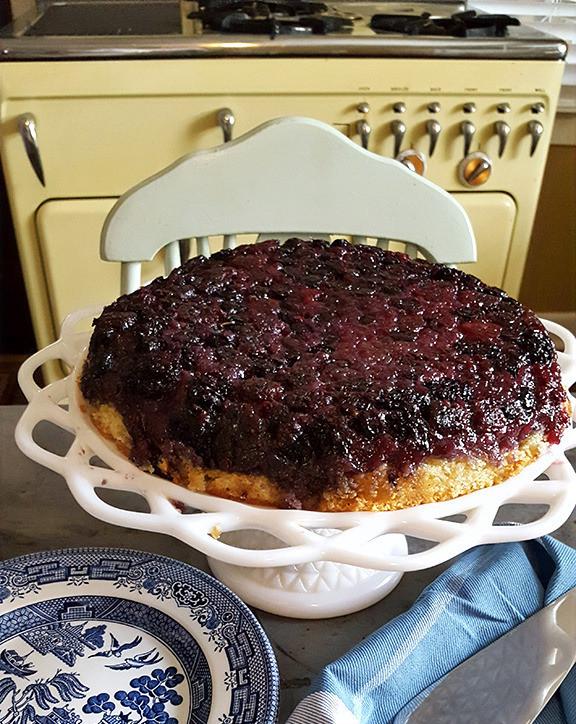 upside-down-berry-cake