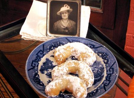The Bungalow Chef's Pecan Crescent Cookies (Recipe)