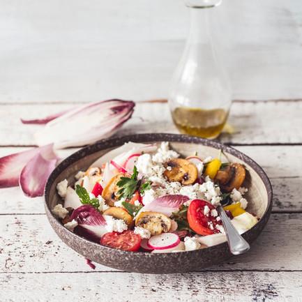Listový salát se žampiony a fetou aneb jak jíst zeleninu po celý rok